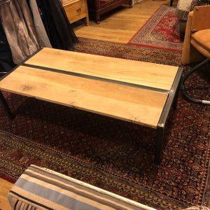 Houten Meubels Op Maat - Stalen salontafel met eiken inleg - Rewoody